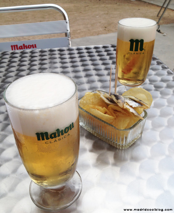 MADRID COOL BLOG quiosco de la reina terraza embajadores cañas mahou anchoas aperitivo patatas