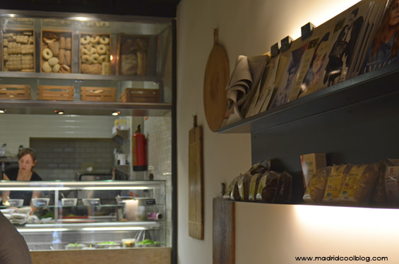 MADRID COOL BLOG_MAGASAND_SANDWICHES GOURMET EN EL BARRIO DE SALAMANCA_MADRID_INTERIOR LOCAL