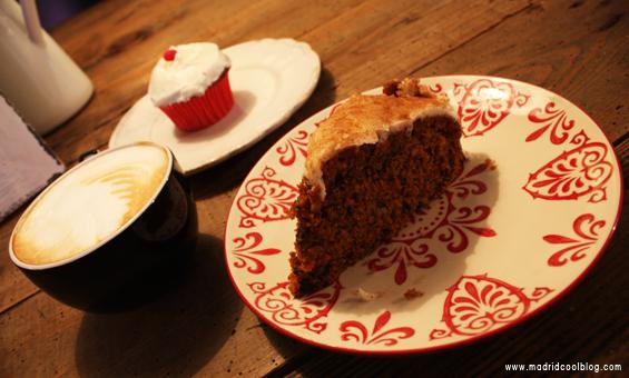 Cupcake y Carrot Cake en Panela&Co. Foto de www.madridcoolblog.com