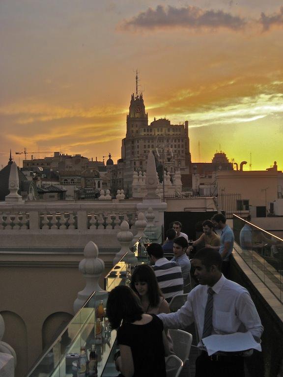 Atardecer en la terraza del Ada Palace. Foto de www.madriddiferente.com