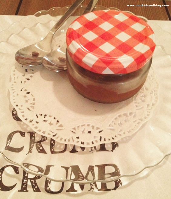 Mousse de chocolate en Crumb. Foto de www.madridcoolblog.com sandwiches de autor malasaña conde duque madrid mouse de chocolate