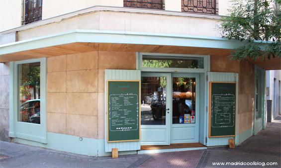 Fachada de Pancomido Café en Zurbano. Foto de www.madridcoolblog.com