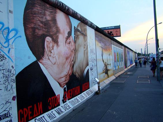 East Side Gallery en Berín. Foto de www.lamaletademarta.blogspot.com.es/