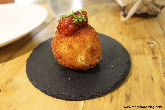 Bomba en el restaurante Triciclo. Foto de www.madridcoolblog.com