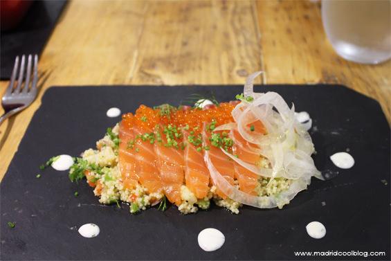 Taboulé con salmón marinado en el restaurante Triciclo. Foto de www.madridcoolblog.com madrid barrio huertas,
