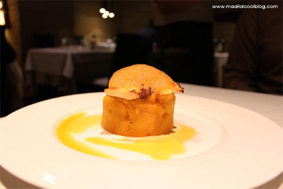 Pulpo sobre puré en restaurante Asgaya. Foto de www.madridcoolblog.com