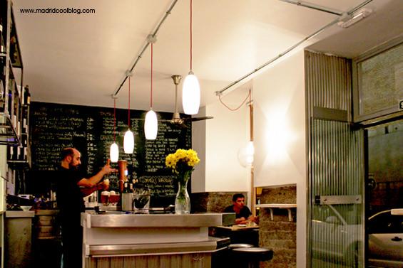 Interior del bar Drink Fino. Foto de www.madridcoolblog.com