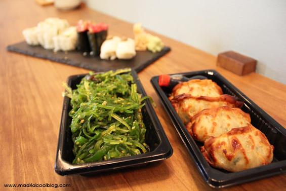 Ensalada de wakame y gyozas de pollo en Sumo. Foto de www.madridcoolblog.com