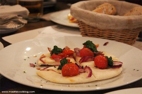 Pizzeta en La Sole Café. Foto de www.madridcoolblog.com