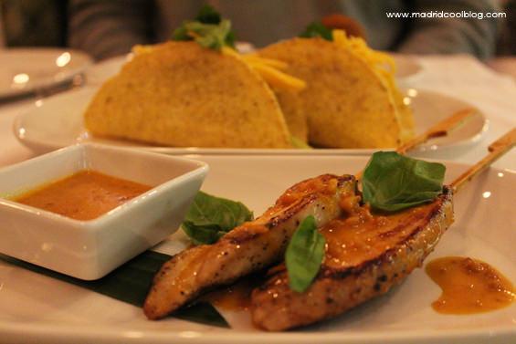 satay pollo tacos cerdo restaurante amasia olavide madrid