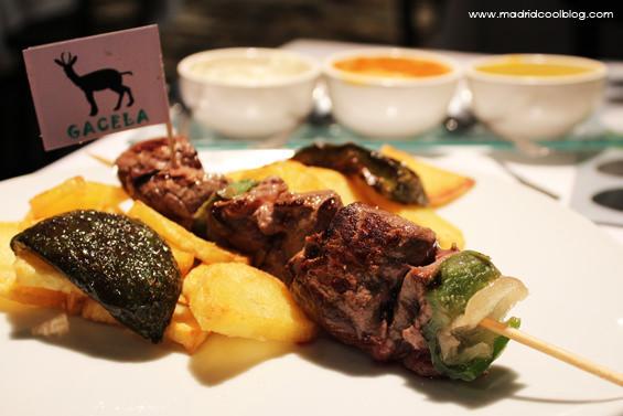 Restaurante latitud carnes ex ticas de los 5 continentes - Canguro en casa madrid ...