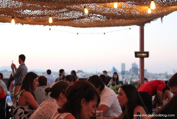 Cenando con unas vistas espectaculares. Foto de www.madridcoolblog.com