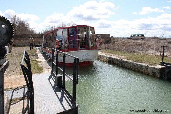 madrid cool blog, canal de castilla, tierra de campos, medina de rioseco, barco
