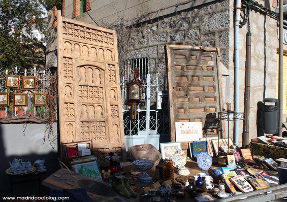 MADRID COOL BLOG el rastro de la sierrra COLLADO VILLALBA portones de madera antiguos