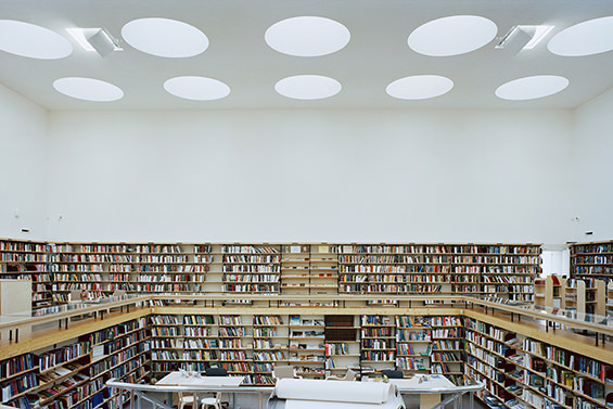 Exposición de Alvar Aalto en CaixaForum Madrid.