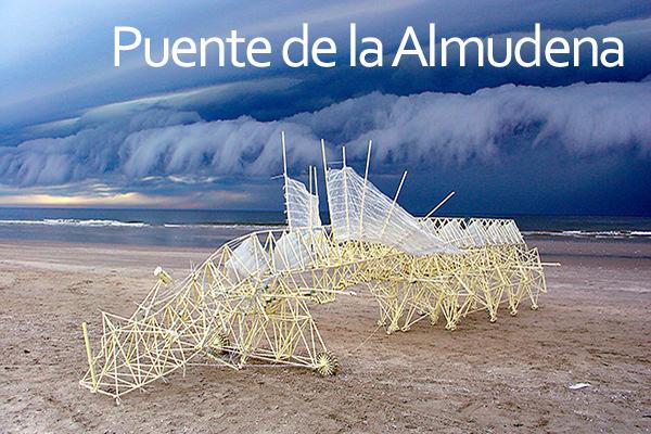 Planes para el puente de la Almudena en Madrid.