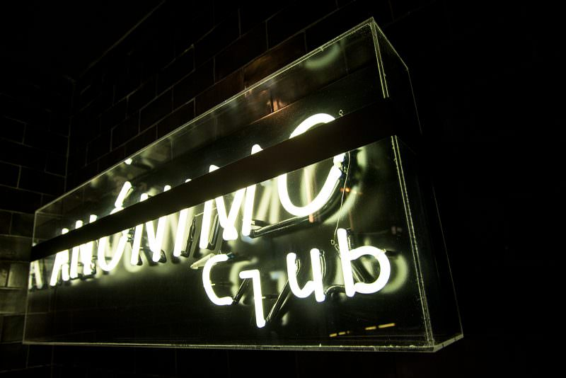 MADRID-COOL-BLOG-ANONIMO-CLUB-neón-G