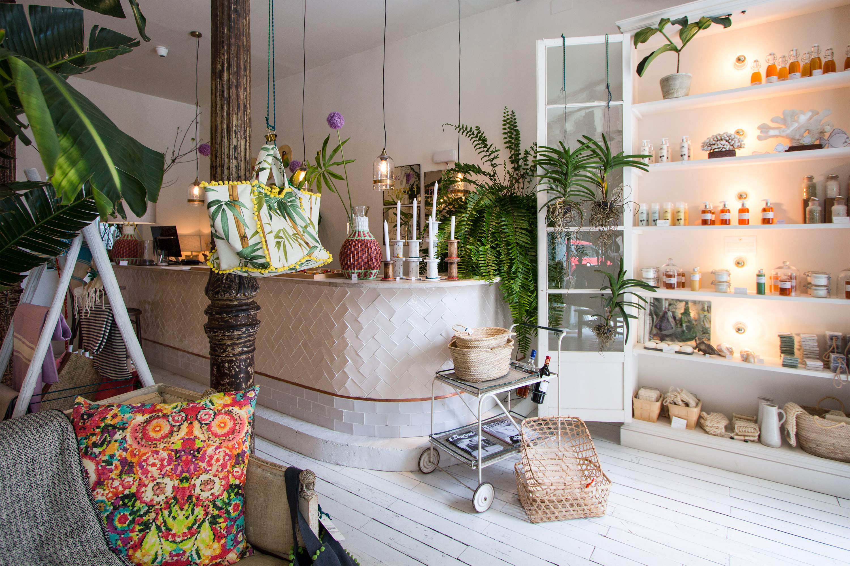 Pinkoco tienda de cosm tica natural y complementos en las salesas - Tienda de cortinas madrid ...