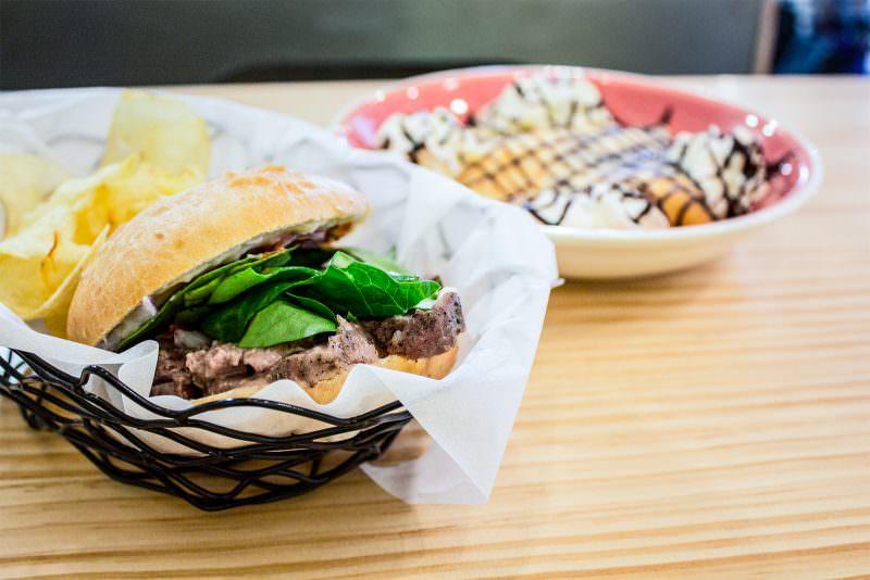 MADRID-COOL-BLOG-SONY'S-FOOD-bocadillo-pok-pok-G