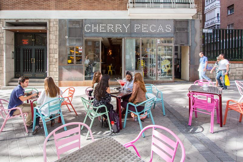 madrid-cool-blog-cherry-pecas-fachada-g
