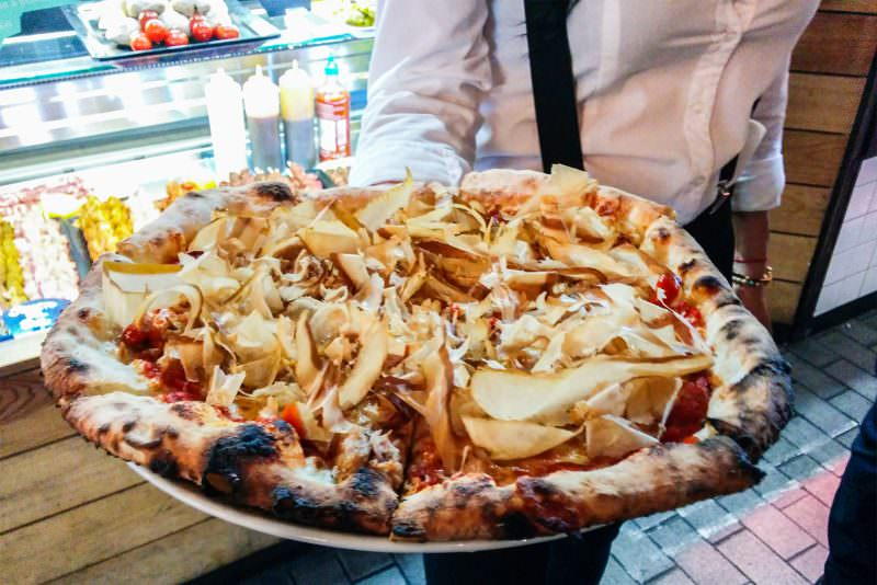 madrid-cool-blog-mercado-san-ildefonso-pizza-katsuobushi-g