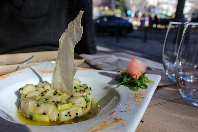 madrid-cool-blog-midtown-tartar-pez-mantequilla-aguacate-g