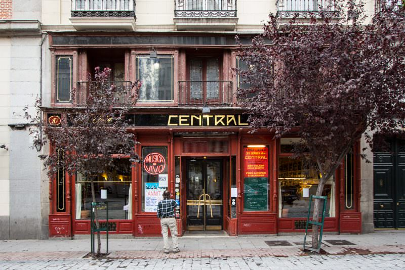 MADRID-COOL-BLOG-CAFE-CENTRAL-fachada-G