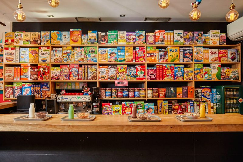 CEREAL-HUNTERS-CAFE-estanteria-G