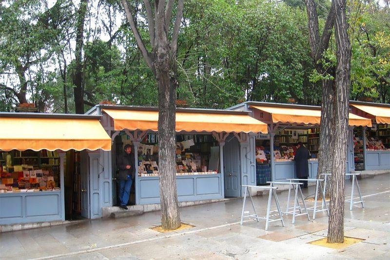 CUESTA-DE-MOYANO-bookstalss-G