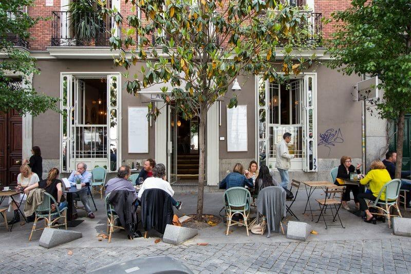 Fachada y terraza de Lady Madonna. Foto de Madrid Cool Blog.