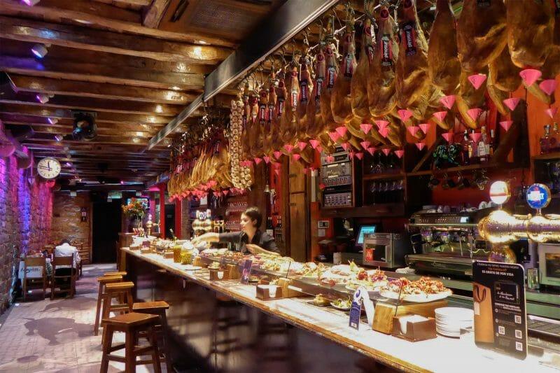 Interior de La Mandarra de La Ramos en Pamplona.