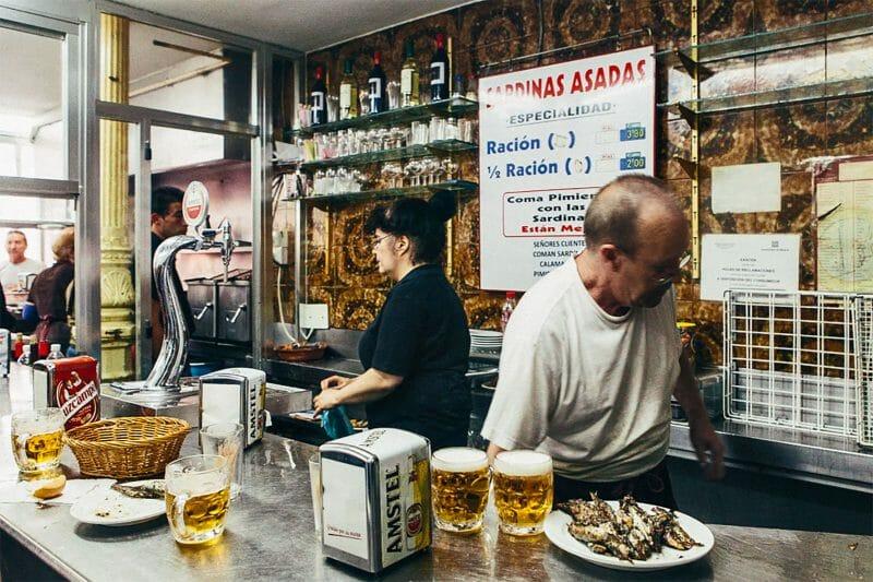 Interior del Bar Santurce.